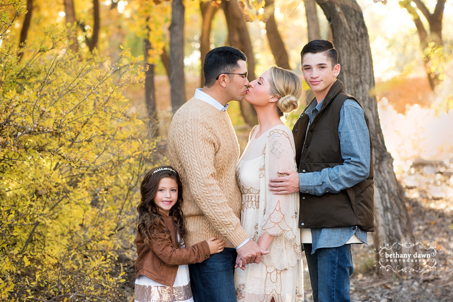 BEAUTIFUL FALL FAMILY